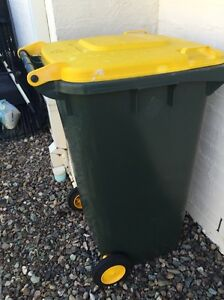 Large wheelie bin - recycle Bin, compost or worm farm. Twin Waters Maroochydore Area Preview