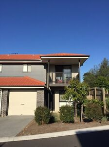 Large bedroom/ensuite OR 3 bed townhouse Darra Brisbane South West Preview