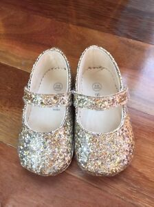 SEED BABY GIRLS SHOES Glitter Gold - SIZE 3-6 months Paid $39free p Dingley Village Kingston Area Preview