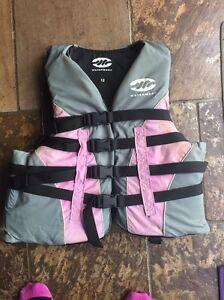 Ladies PFD type 3 lifejacket Warranwood Maroondah Area Preview