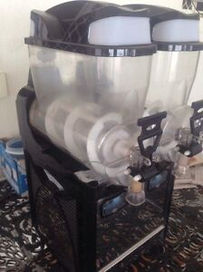Confrimell Slushie Machine *** WORKING MOTOR BUT LEAKING GAS**** Mount Gravatt Brisbane South East Preview