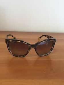 Woman's sunglasses Greenwich Lane Cove Area Preview