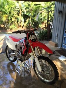 Honda CRF450r 2015 4 hours from brand new Dayboro Pine Rivers Area Preview