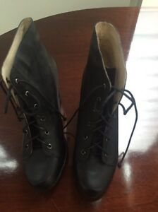 Black leather short lace up boot size 39 Tennyson Point Ryde Area Preview