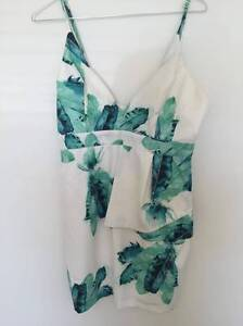Mini Dress: Size 12, white and green, palm print Marmion Joondalup Area Preview