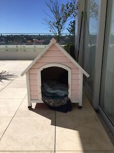 Free doghouse! Bondi Eastern Suburbs Preview