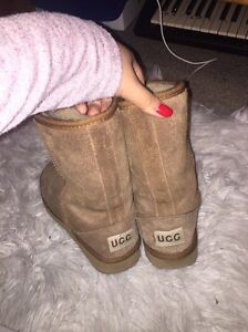 Authentic ugg boots (size 7/8) Clarinda Kingston Area Preview