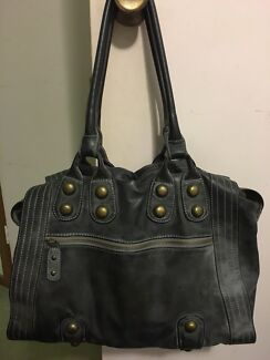 Ladies handbags Paterson Dungog Area Preview