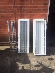3 x Fluro lights with plugs and tubes Moorabbin Kingston Area Preview