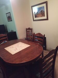 Extendable dining table Beaumaris Bayside Area Preview