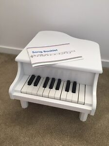 Toy piano Jerrabomberra Queanbeyan Area Preview