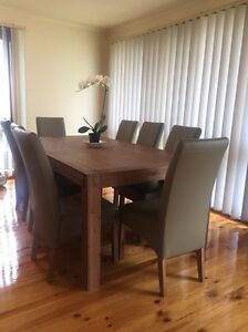 Dining table and chairs Keilor Downs Brimbank Area Preview