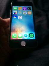 iPhone 5s 32gb Gold with black screen white button 270!! Eagleby Logan Area Preview