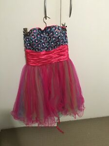 Formal / ball dress size small Charlestown Lake Macquarie Area Preview