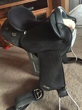 Sydhill swinging fender stock saddle Gretna Central Highlands Preview