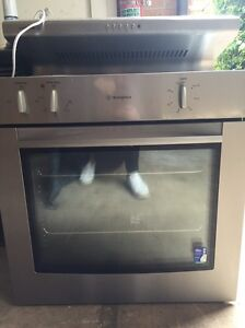 Westinghouse oven and rangehood Prestons Liverpool Area Preview