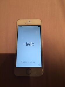 White iPhone 5s 32gb, unlocked Coolbinia Stirling Area Preview