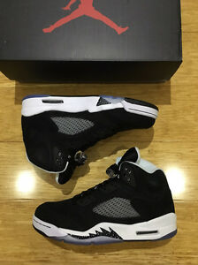 "JORDAN V OREO BLACK ""size 9us"" Plumpton Blacktown Area Preview"