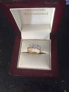 Stunning female engagement ring Cleveland Redland Area Preview