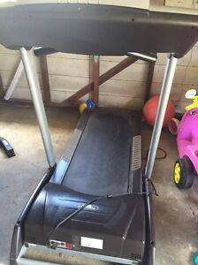 Repco treadmill Holmesville Lake Macquarie Area Preview