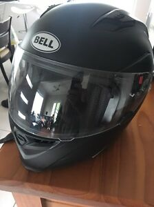 Large bell helmet worn 4 times Cardiff Lake Macquarie Area Preview