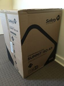 Baby car seat. New. Safety 1st Summit AP ISOfix Car Seat Cammeray North Sydney Area Preview