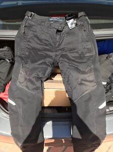 Good condition BMW motorrad comfortshell bike pants, size 40 Mansfield Brisbane South East Preview
