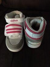 Girls skate shoes Ballajura Swan Area Preview