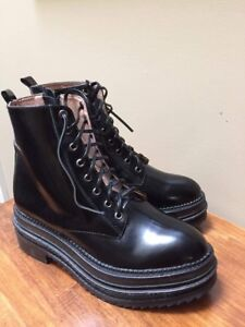 Brand new size 8 Jeffrey Campbell boots