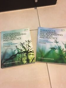 Accounting and bookkeeping principles text book Currimundi Caloundra Area Preview