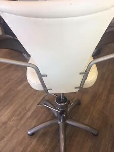 6 WHITE LEATHER VINTAGE ITALIAN CHAIRS North Bondi Eastern Suburbs Preview