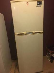 used fridge free to take Biggera Waters Gold Coast City Preview