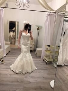 Gorgeous fit & flare wedding gown brand new