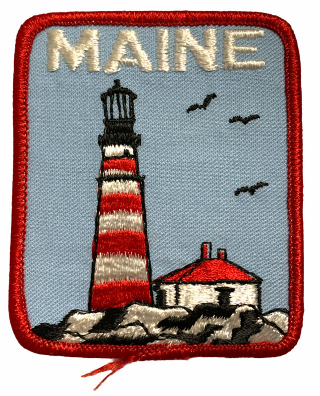 Maine State Patch Lighthouse Shore Seagulls Birds Red Blue Travel Souvenir