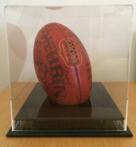 Collingwood Football Club - 1990 Team Signed Sherrin Football Epping Whittlesea Area Preview