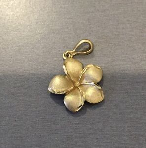 9ct Gold frangipani pendant Banksia Grove Wanneroo Area Preview