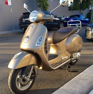 Vespa GTS 250 ie  only 9,500 km -$6,750 North Sydney North Sydney Area Preview