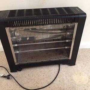 2200 watt electric heater Helensburgh Wollongong Area Preview