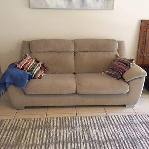 Chaise Sofa In Brisbane Region Qld Gumtree Australia Free Local Classifieds
