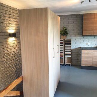 Brand New Modern Bedroom 3 Door Wardrobe High quality. BUY NOW