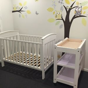 White boori cot and change table cots bedding for Beds r us toowoomba