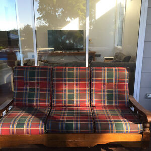Free timber lounge Como Sutherland Area Preview