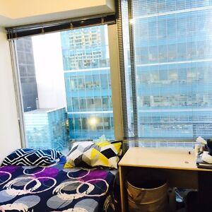 Roomshare for girl available. Parliament station. Melbourne CBD Melbourne City Preview
