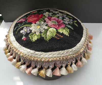 *RESTORATION PROJECT / AS FOUND * VICTORIAN STYLE TAPESTRY / WOOLWORK FOOT STOOL