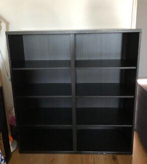 Sturdy bookcase - 120 x 128.5 x 49.5 (w x h x d)