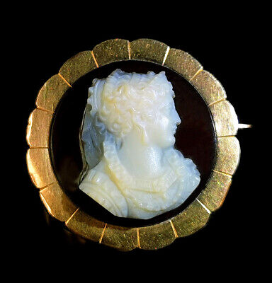 18k gold Museum Quality High-relief carved agate/ hard-stone cameo brooch, 1870s
