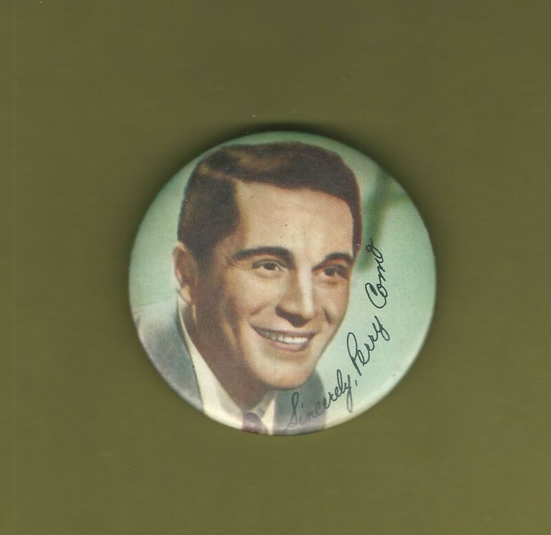 """Perry Como Vintage 2 1/2"""" Diameter Color Photo Button Pin Pinback VERY GOOD SEE"""