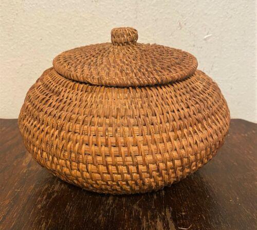 "Antique Vtg Native American Coushatta Pine Needle Straw Lidded Basket Jar - 5.5"""