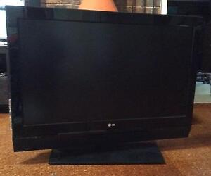 """LG LCD TV 42"""" (106cm) with BUILT-IN Tuner Corinda Brisbane South West Preview"""