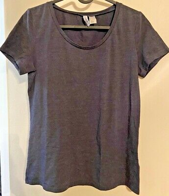 H&M Basic Fitted Scoop Neck Woman's Tee - Size M